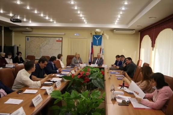 В областной Думе обсудили законопроект по предоставлению дополнительного пакета льгот для резидентов ТОСЭР